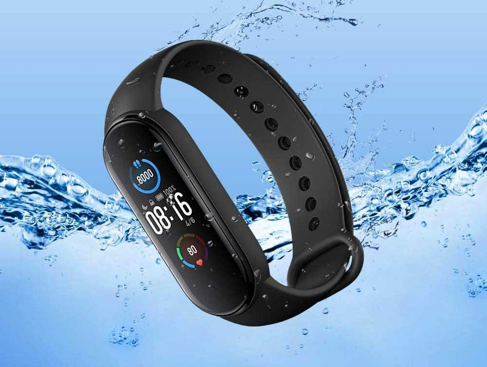 Xiaomi Mi Band 5 with water