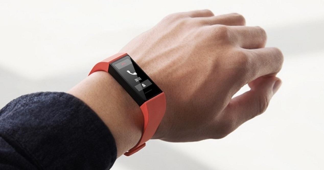 Xiaomi Mi Band 4C on the wrist
